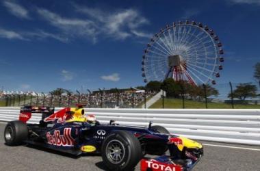 El tricampeón mundial quiere consagrase cuatro fechas antes del final del calendario 2013 (foto: www.renaultsport.com).