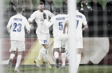 Gent surpreende, vence Wolfsburg e assume liderança; Saint-Étienne segue sem vencer