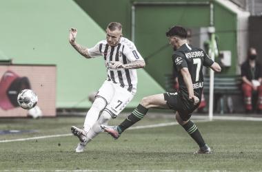 Em jogo movimentado, Wolfsburg deixa vantagem escapar e empata com Freiburg