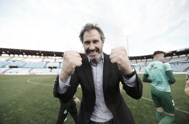 Vicente Moreno se muestra eufórico tras conseguir el objetivo del ascenso | Foto: RCDE