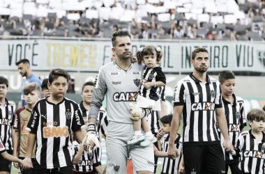 """Victor exalta atuação do Atlético-MG no clássico, mas pede cautela: """"Ainda não tem nada definido"""""""