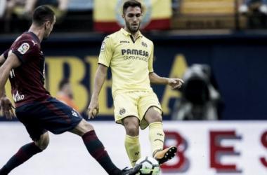 Víctor Ruíz en el partido frente al Levante | Foto: LaLiga.es