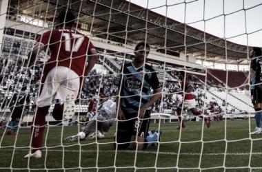 Víctor Díaz se lamenta tras el gol. | Foto: Agencia LOF.