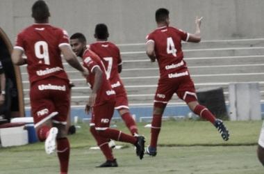 Vila Nova joga mal e fica no empate com o lanterna Rio Verde no Serra Dourada