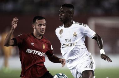Joan Sastre y Vinicius Jr durante el Mallorca - Real Madrid / Fuente: Real Madrid (Twitter)