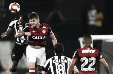 Botafogo protocola protesto formal contra arbitragem de clássico ante Flamengo