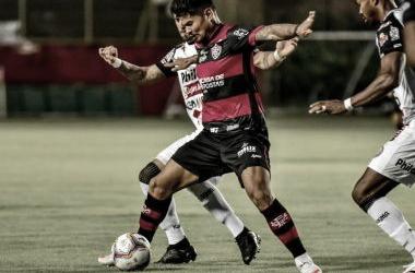 """Léo Cearáadmite """"situação delicada"""" após novo tropeço do Vitória na Série B"""
