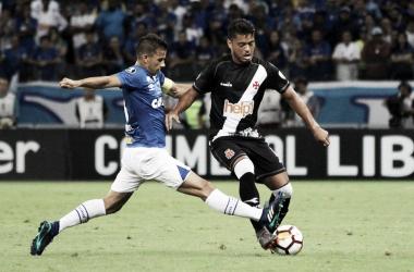 Em boa partida dos goleiros, Cruzeiro e Vasco empatam sem gols no Mineirão
