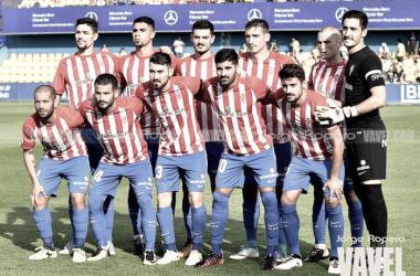 Plantilla del Sporting posando para una foto previo a un partido.// Imagen: Jorge Ropero-VAVEL.