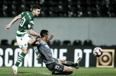 Erros de goleiros marcam empate entre Vitória de Guimarães e Sporting