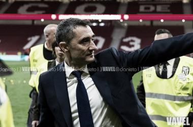 Valverde tras conseguir su primera Copa del Rey como míster del Barcelona   Foto: Daniel Nieto (VAVEL.com)
