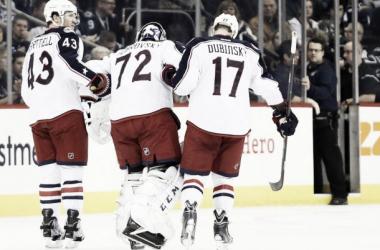 Bob abandona el hielo tras su lesión | Foto: mynhltraderumors.com