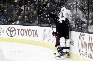 Momento en el que Malkin se lesiona el pasado viernes | Foto:scoopnest.com