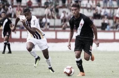Na véspera do confronto na Libertadores, Vasco bate Madureira em Moça Bonita