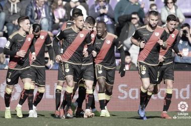 Jugadores del Rayo Vallecano celebrando un gol   Foto: LaLiga Santander