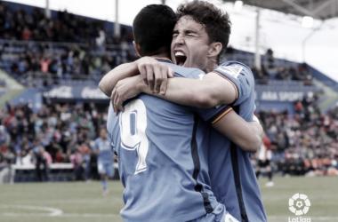 Jaime Mata y Ángel celebrando un gol // Foto: La Liga