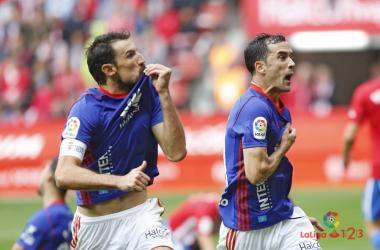 Toché y Linares en el derbi | Imagen: LaLiga 1|2|3