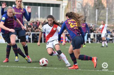Sheila García con el esférico | Fotografía: La Liga