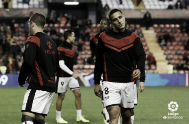 Jugadores del Rayo Vallecano calentando antes de un partido | Fotografía: La Liga