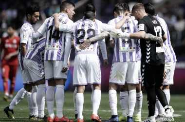 El Real Valladolid vuelve a caer en los minutos finales
