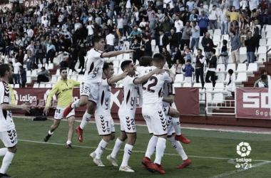 Los jugadores del Albacete celebrando el solitario gol de Eugeni // Imagen: LaLiga