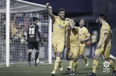 Esteban Burgos celebrando el gol ante el Tenerife. | Foto: LaLiga