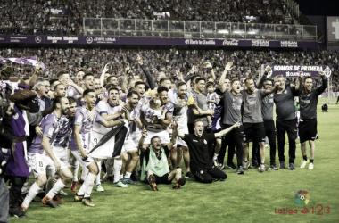 Jaime Mata y los jugadores celebrando el ascenso a Primera División: Foto La Liga 123