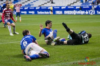 Otro paso atrás del Granada en Oviedo