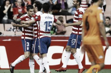 Álex Martínez celebra un gol con sus compañeros// Imagen: La Liga