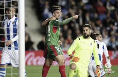 El Alavés celebra el tanto de la victoria en el enfrentamiento disputado en Anoeta la pasada temporada // Foto: La Liga.