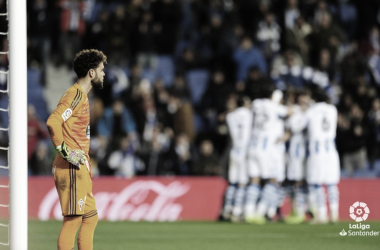 Sergio Álvarez en Anoeta después de recibir un gol en contra. | Fuente: LaLiga