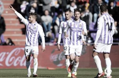 Keko celebrando el Gol de la victoria con sus compañeros del Real Valladolid | LaLiga Santander