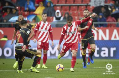 Portu lanzando el esférico | Fotografía: La Liga