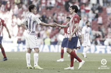 Ünal y Savic se saludan al final del encuentro // Foto: La Liga
