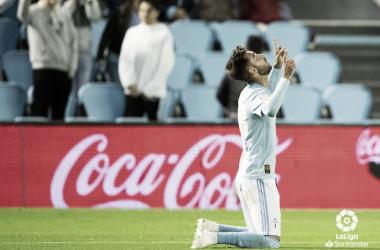 Brais Méndez mira al cielo para festejar un gol I Foto: LaLiga