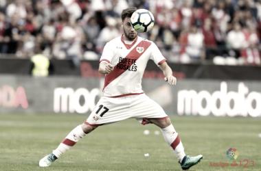 Unai López tratando de llevarse un balón | Fotografía: La Liga