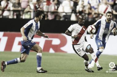 Kakuta llevándose el esférico | Fotografía: La Liga