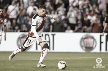 Embarba rematando el penalti | Foto: LaLiga Santander