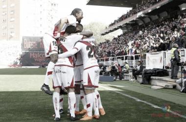Jugadores del Rayo Vallecano celebrando un gol | Fotografía: La Liga
