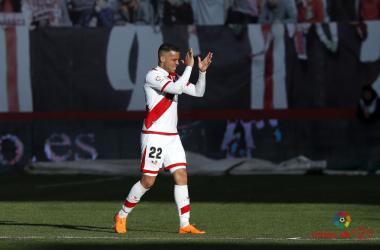 Raúl de Tomás aplaudiendo | Fotografía: La Liga