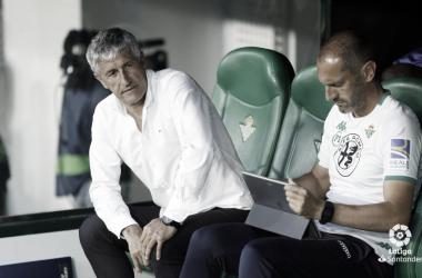 Setién en el encuentro ante el Espanyol en el Benito Villamarín | Foto: LaLiga Santander