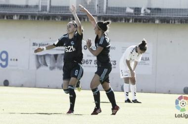 Naiara Beristain y Nuria Sánchez celebrando el gol realista. I Foto: La Liga