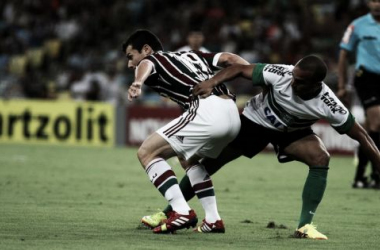 Fluminense e Coritiba protagonizam duelo de opostos no Maracanã