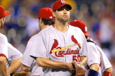 Cardinals Adam Wainwright Experiences Abdominal Pain, Sent Back to St. Louis