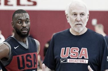 Walker y Popovich durante un entrenamiento | Foto: NBA