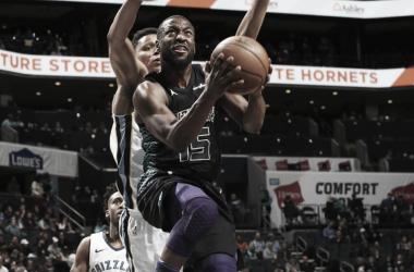 Momentazo NBA: Walker y los Hornets apalizan a los Grizzlies