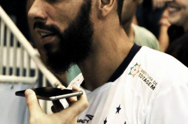 Jogadores do Sada Cruzeiro demonstram bom ambiente e trocam elogios antes de final