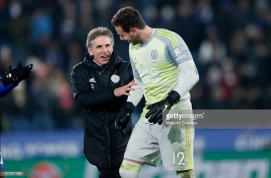 Puel celebrates with Danny Ward following victory against Southampton | Photo: Getty/ Malcolm Couzens