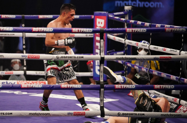 Mauricio Lara produced a huge upset to beat Josh Warrington (pic: @MatchroomBoxing)