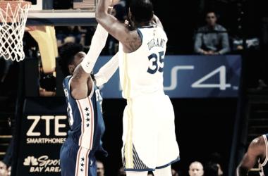 Kevin Durant de Golden State Warriors anotando ante Orlando Magic. Foto: NBA